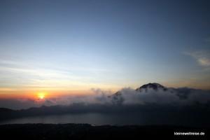 Sonnenaufgang auf dem Vulkan Batur