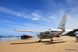 Flugzeug am Strand