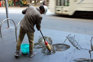Straßenkünstler mit Wasser