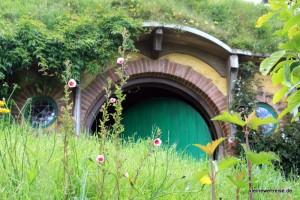 hier hinter der grünen Tür wohnt Bilbo Beutlin