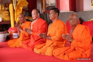 Mönche bei der Zeremonie