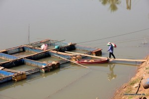 an einer Fischfarm im Fluss