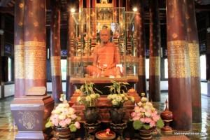 Der Mönch hinter Glas