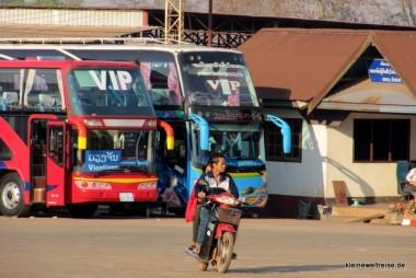 Am Busbahnhof: die seltenen VIP Busse