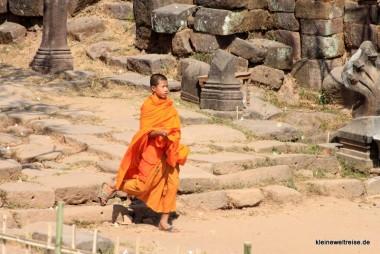 Mönch in Wat Phou
