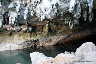 Die ersten Schritte in der Höhle