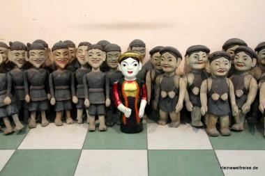 Die Puppen im Vorraum