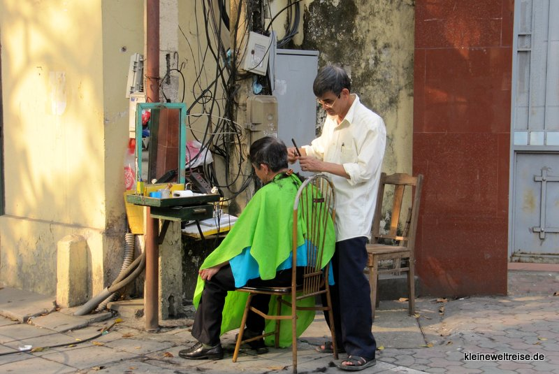 einen Haarschnitt bitte!