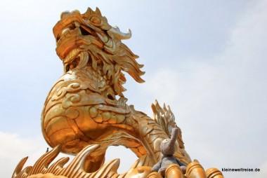 Fanta reitet den Drachen in der Zitadelle