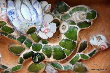 Mosaik vom Drachen, man achte auf das Flaschenglas