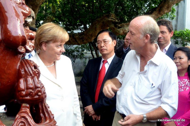 Christian Oster (re) auf Kultour mit Angela Merkel