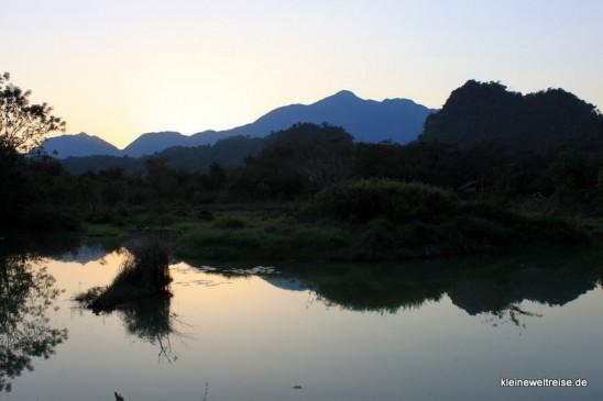 Laos: Berge bei Vang Vieng