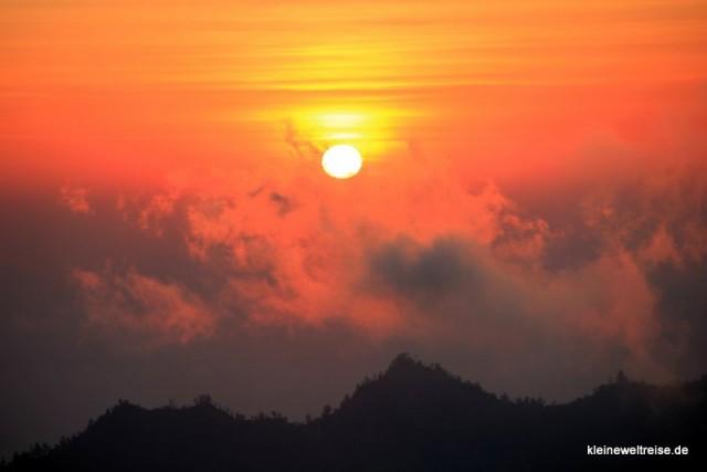 Sonnenaufgang vom Vulkan Batur, Bali