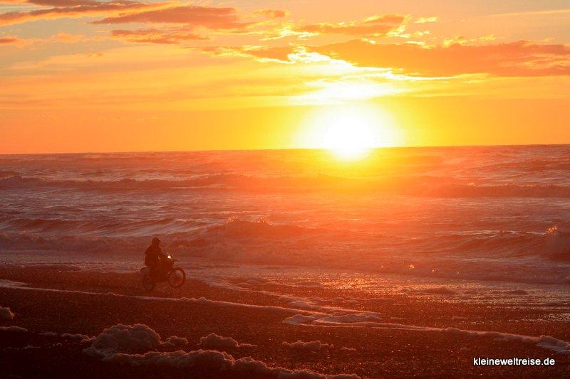 Sonnenuntergang in Neuseeland am Meer
