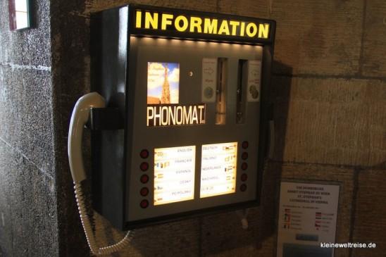 Information-Automat im Stephansdom
