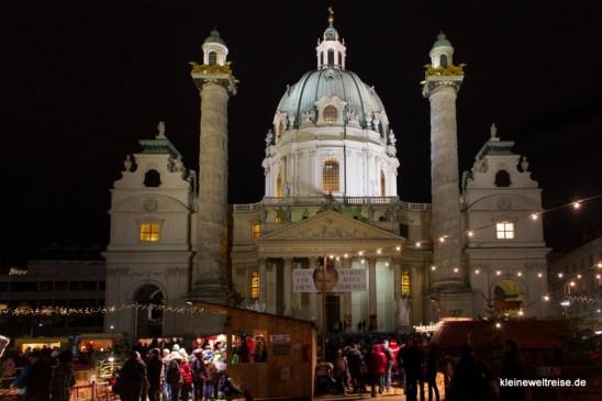 Karlskirche und Buden