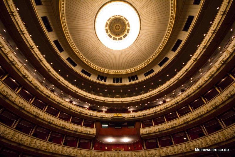 Saal der Oper in Wien