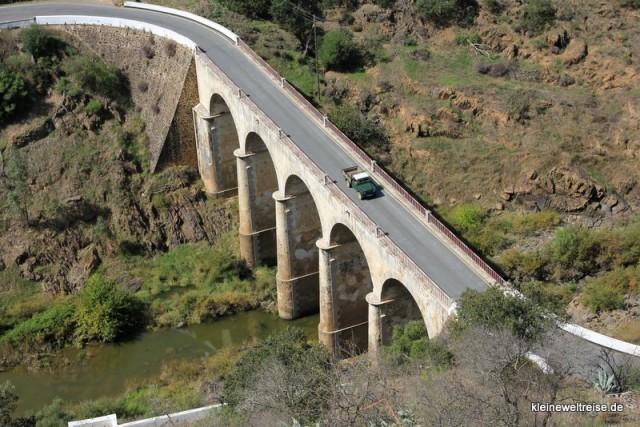 Brücke in Landschaft