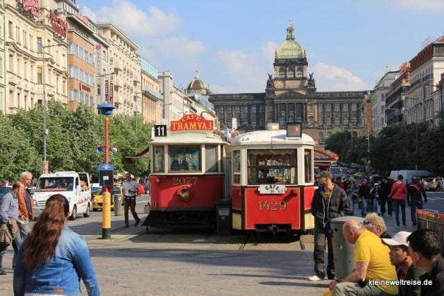 Am Wenzelsplatz ein Tram Bistro