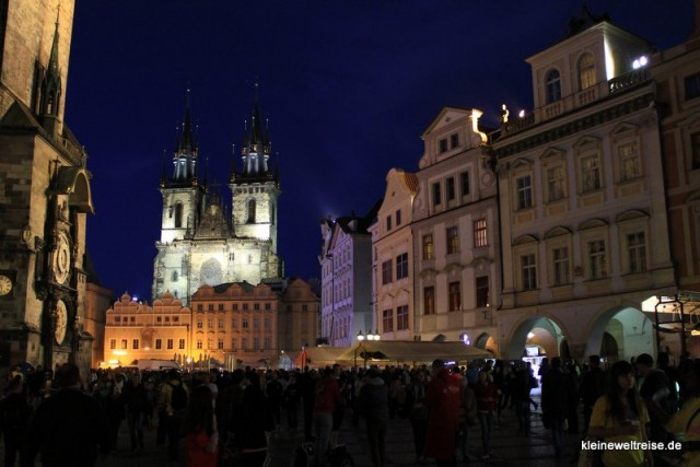 mitten in Prag am Abend